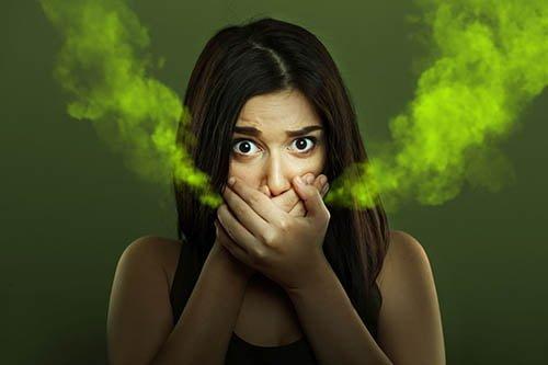Плохой запах изо рта